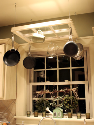 Caravatis Old Window Pot Rack
